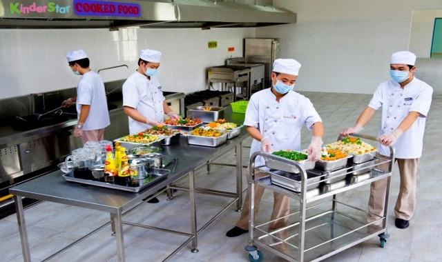 Chọn bếp từ công nghiệp cho trường mầm non
