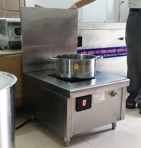 Lắp đặt bếp từ công nghiệp cho anh Công ở Hải Phòng