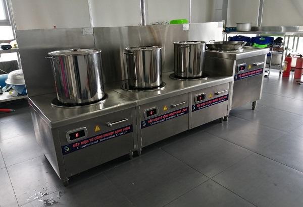 Nhu cầu sử dụng bếp từ nấu ăn cho 100 suất ăn ở một công ty